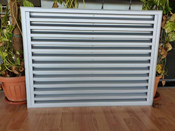 griglia ventilazione areazione alluminio argento su misura. Tipologia fissa